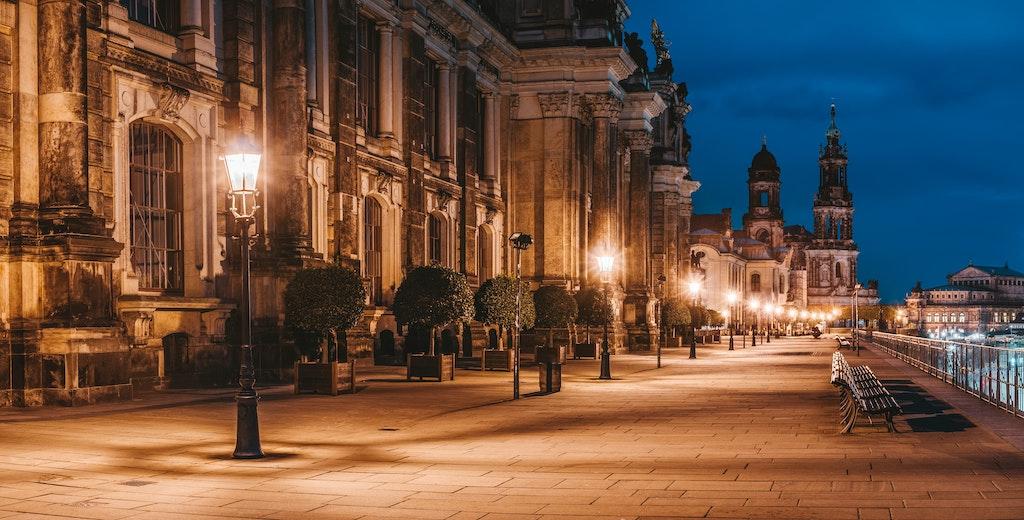 Dresden Brühlsche Terrasse abends